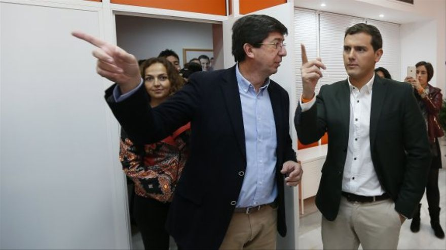 Juan Marín junto a Albert Rivera, en Sevilla, en una imagen de archivo.