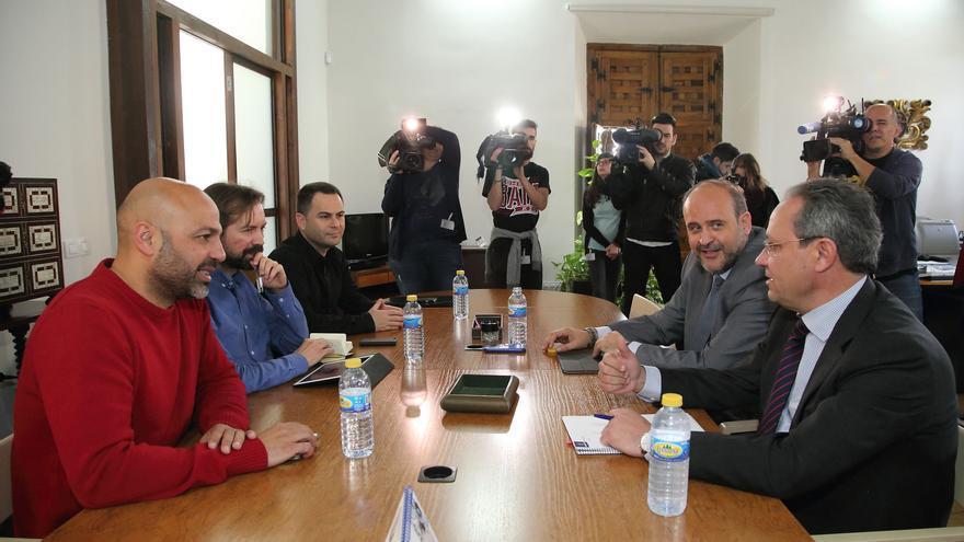 Reunión entre el Gobierno de CLM y Podemos