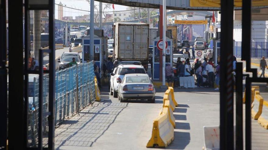 Rabat refuerza los puestos de control cerca de Ceuta y Melilla contra la emigración