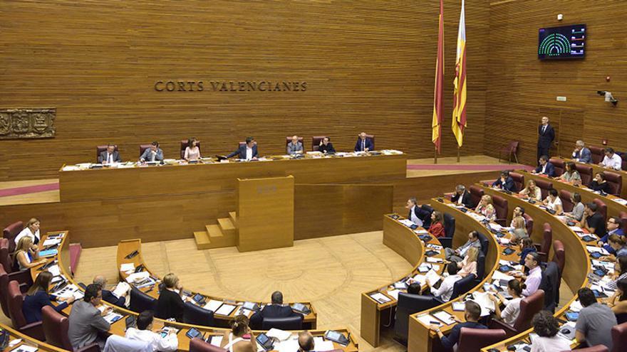Las Corts aprobaron por unanimidad reclamarle el acta de senadora a Barberá