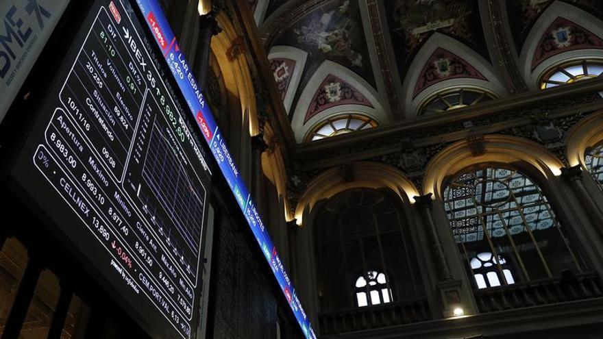 El IBEX 35 rompe con tres sesiones de caídas y sube un 1,10 por ciento en la apertura