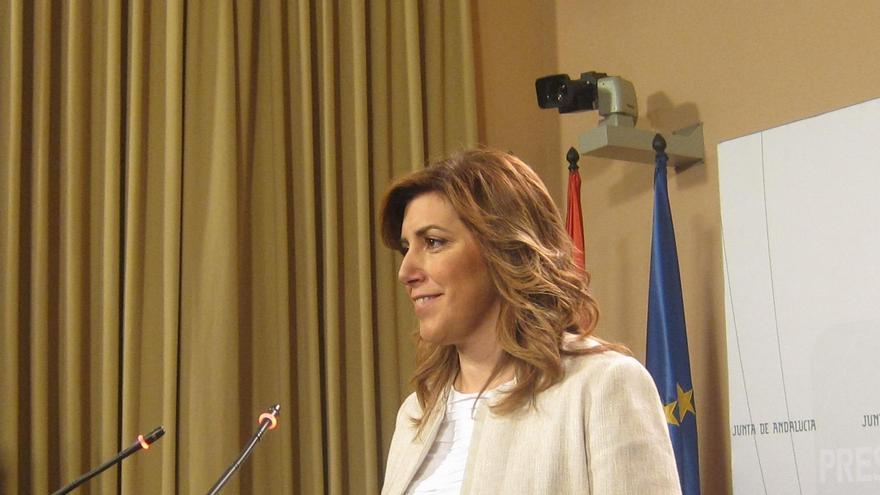 "Susana Díaz pide a Rajoy que mueva ya ""ficha"" y esté a la altura ante el ""problema territorial"""