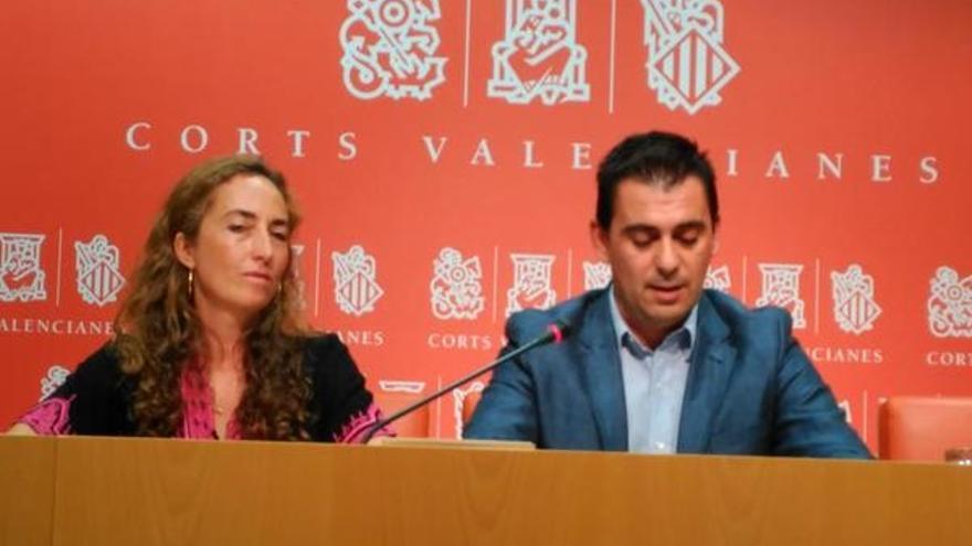 Carolina Punset y Toni Subiela durante la rueda de prensa