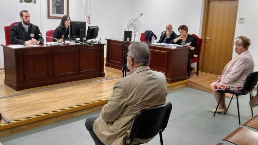 Laureano Oubiña y Carmen Avendaño dirimen demanda por injurias en  juzgados