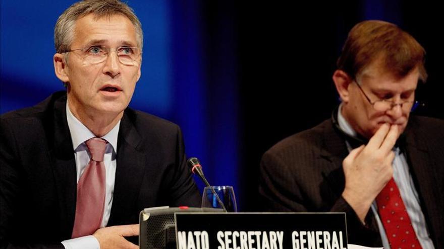Stoltenberg pide al clausurar la asamblea de la OTAN el fin de los recortes en defensa