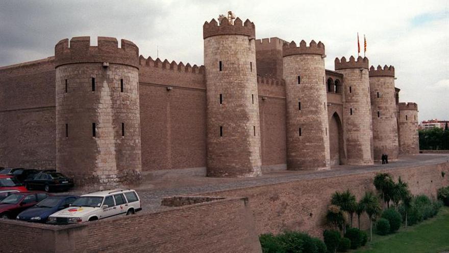 Una muestra de fotos recorre la historia del palacio de la Aljafería (Zaragoza)