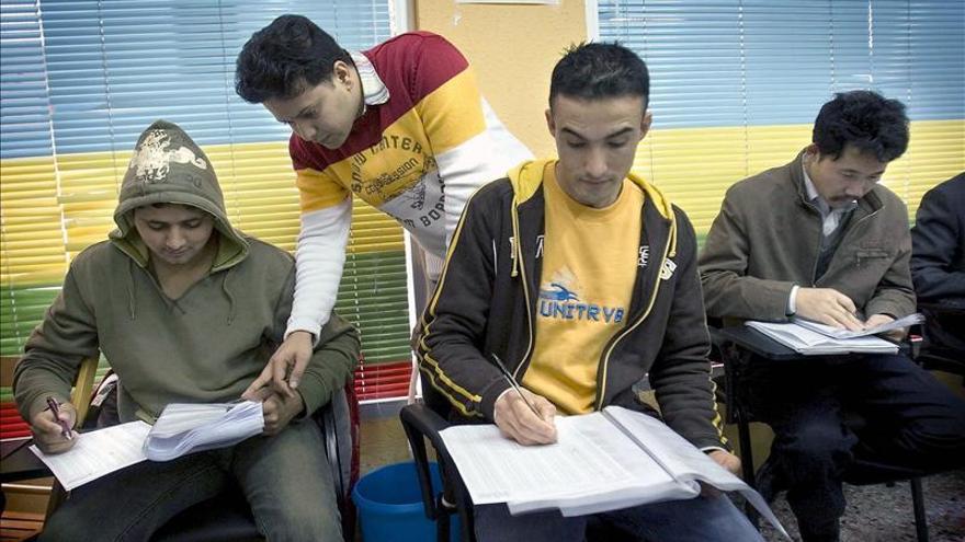 Más de 2.000 futuros conductores se enfrentan mañana al nuevo examen práctico
