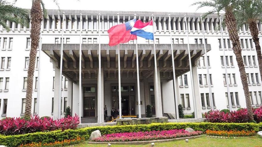 Taiwán rompe lazos diplomáticos con Panamá y se queda con 20 aliados