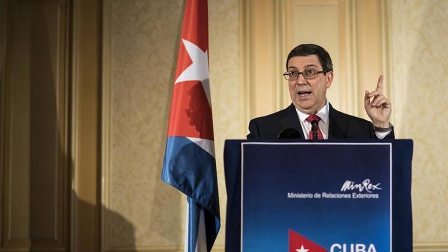 """Cuba denuncia el descaro de Trump al revertir el deshielo rodeado de """"terroristas"""""""""""