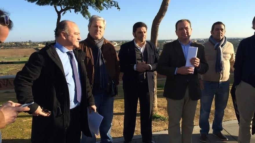 """Toscano (PP) condena """"el desprecio"""" de Mayoral (Podemos) a los pueblos y le invita a visitar Aljaraque (Huelva)"""