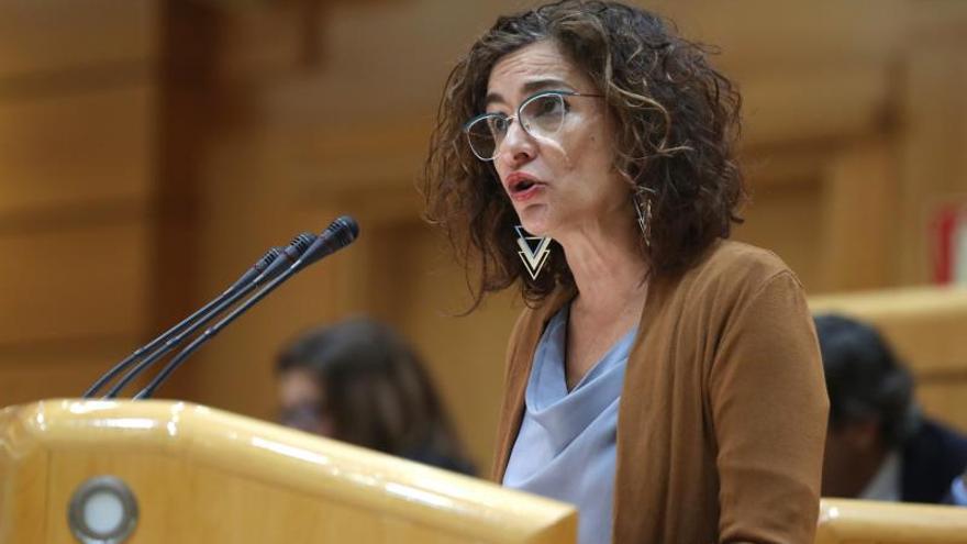 Montero pide apoyo para la senda de estabilidad y poner fin a metas irreales