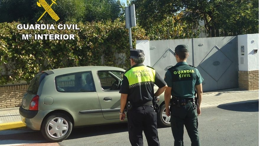 Policías y guardias civiles piden al PSOE que no se les desproteja con la derogación de la 'ley mordaza'