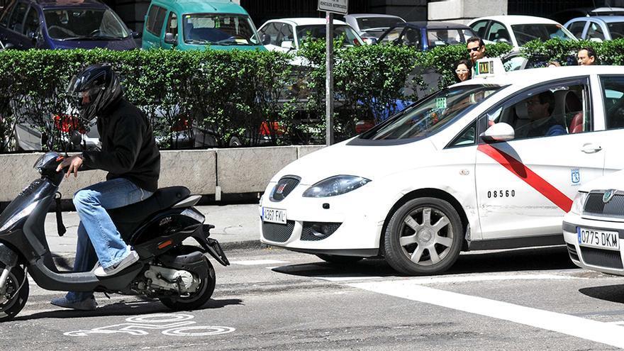 Una motocicleta, en las calles de la capital   AYUNTAMIENTO DE MADRID