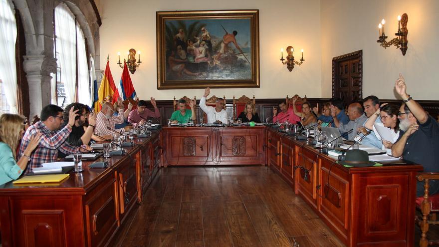 Imagen de archivo de una sesión plenaria de Santa Cruz de La Palma.