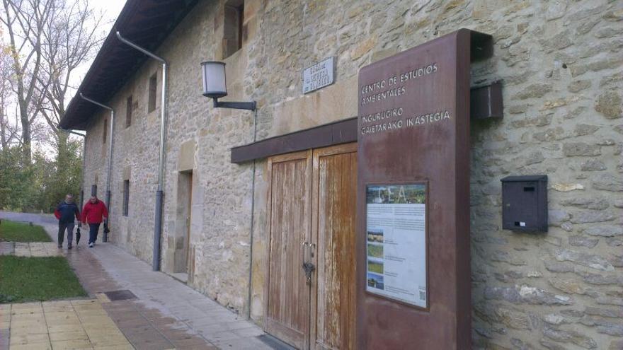 Fachada del Centro de Estudios Ambientales, CEA, en Vitoria.