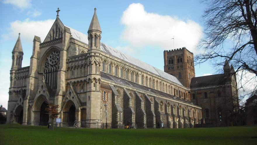 La catedral de St. Albans se prepara para unas escuelas de verano de latín y de griego del Nuevo Testamento