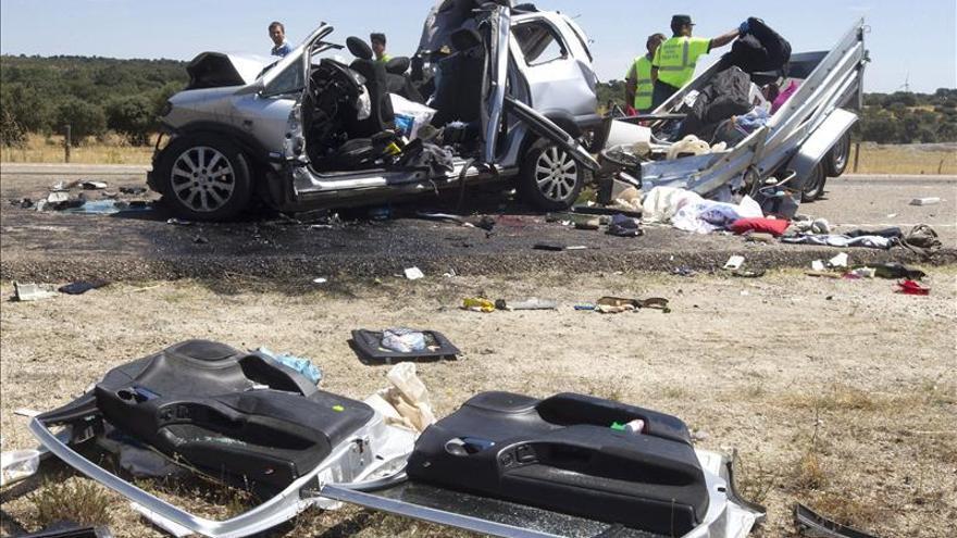 Dieciocho muertos en quince accidentes de tráfico durante el fin de semana