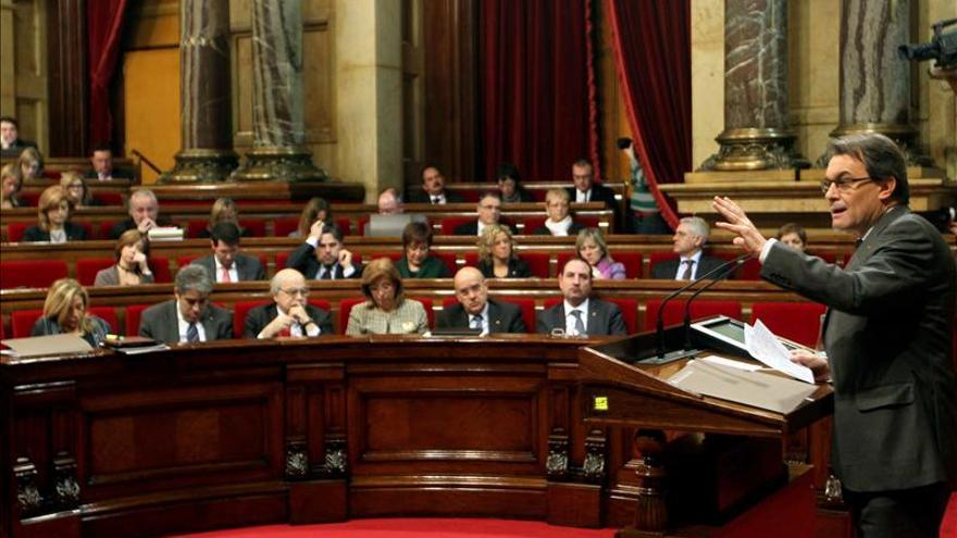 El Parlament pospone a la sesión de tarde el debate de la declaración soberanista