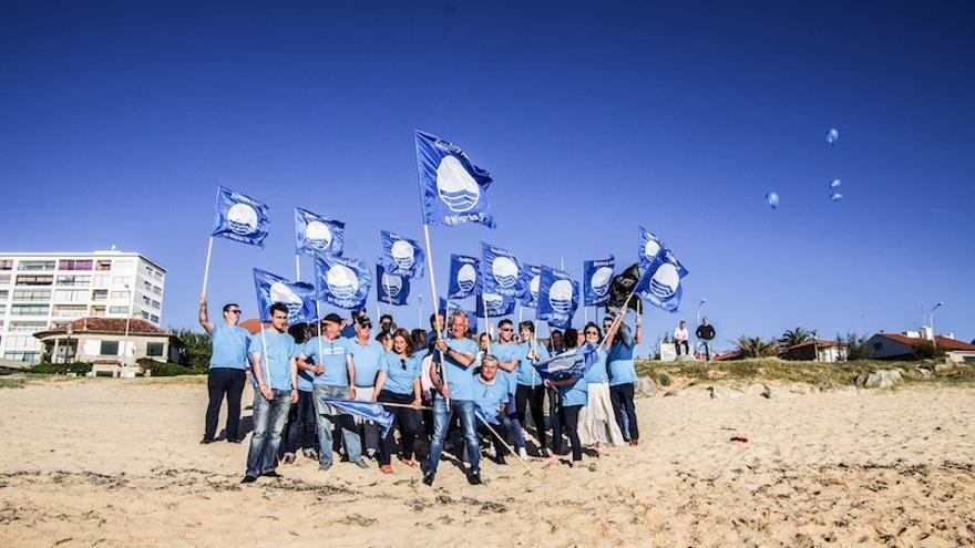"""El PP de Nigrán hizo campaña pidiendo que se recuperara la """"dignidad de nuestras playas"""" con banderas azules"""