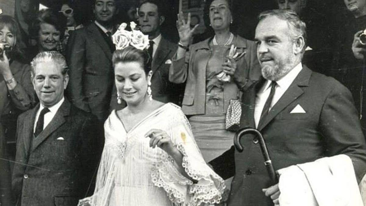 Grace Kelly vestida por la diseñadora flamenca Lina en la Feria de Abril de 1966