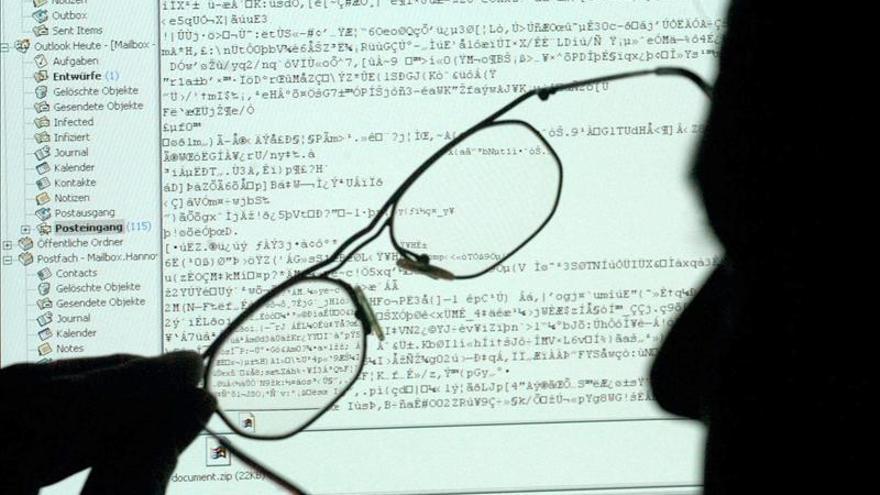 """Departamento de Estado cierra su sistema de correo electrónico ante """"hackers"""""""