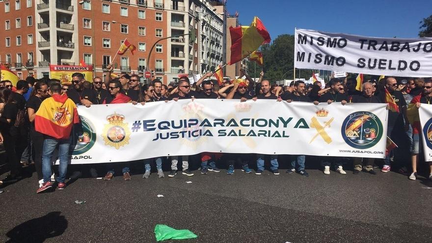 Policías y guardias civiles se manifestarán mañana en Madrid para que Interior concrete la equiparación salarial
