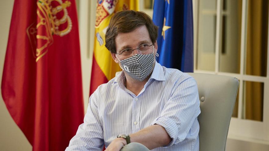 El alcalde de Madrid, José Luis Martínez-Almeida, durante el acto de clausura del I Foro Pepe Núñez 'La importancia de la gestión municipal en pandemia', a 30 de mayo de 2021, en Pamplona, Navarra (España).