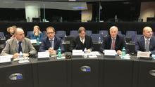 El negociador jefe del Brexit, Michel Barnier, reunido en el Parlamento Europeo con la comisión especial para el Brexit.