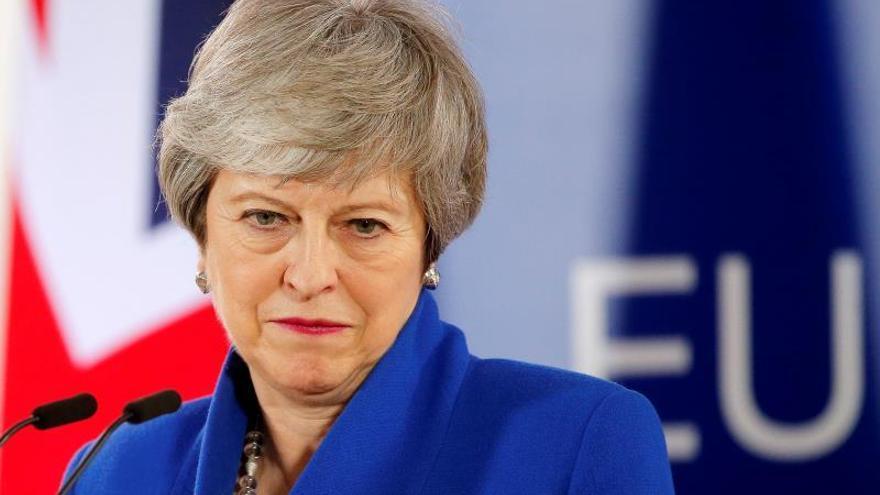 """May avanza que hará una """"nueva oferta"""" al Parlamento para aprobar el """"brexit"""""""