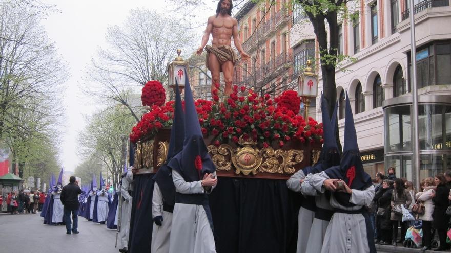 Cinco de las nueve cofradías que tomarán parte en la Semana Santa bilbaína sacarán sus Pasos a hombros