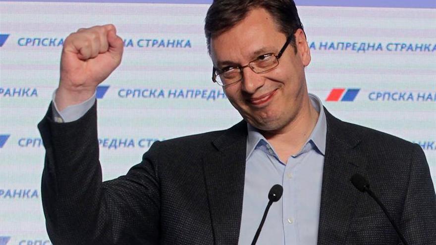 El conservador Vucic recibe el encargo de formar Gobierno en Serbia