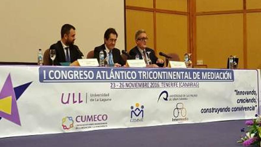 Inauguración del I Congreso Atlántico Tricontinental de Mediación celebrado en la Universidad de La Laguna.
