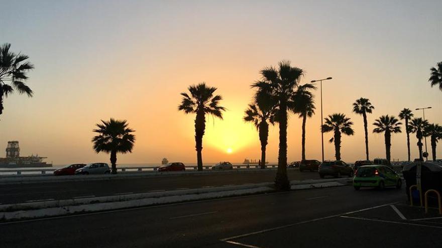 La imagen muestra la avenida marítima de Las Palmas de Gran Canaria a las 7.45 horas de este jueves.