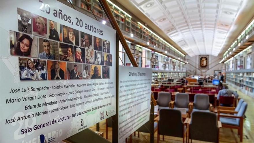 Veinte escritores muestran su amor a los libros en la Biblioteca de Castilla LaMancha