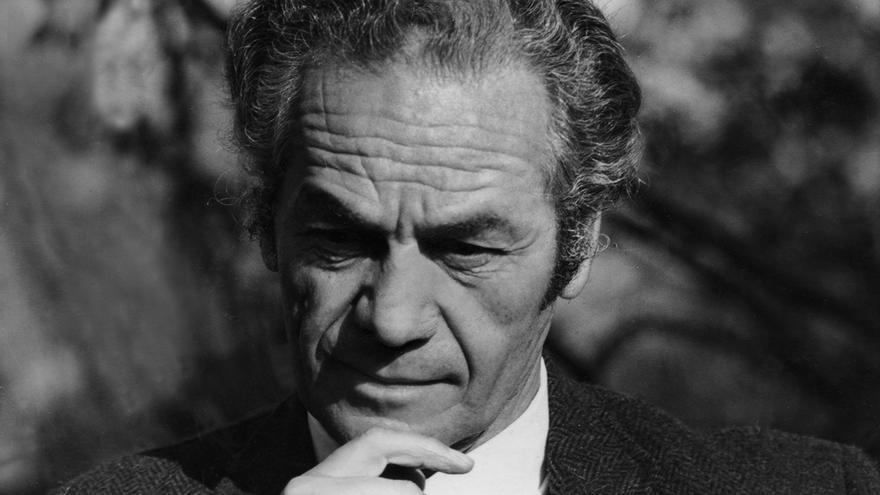 El poeta chileno Nicanor Parra cumple cien años