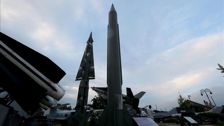 """Corea del Norte prueba un nuevo misil antibuque """"de alta precisión"""""""
