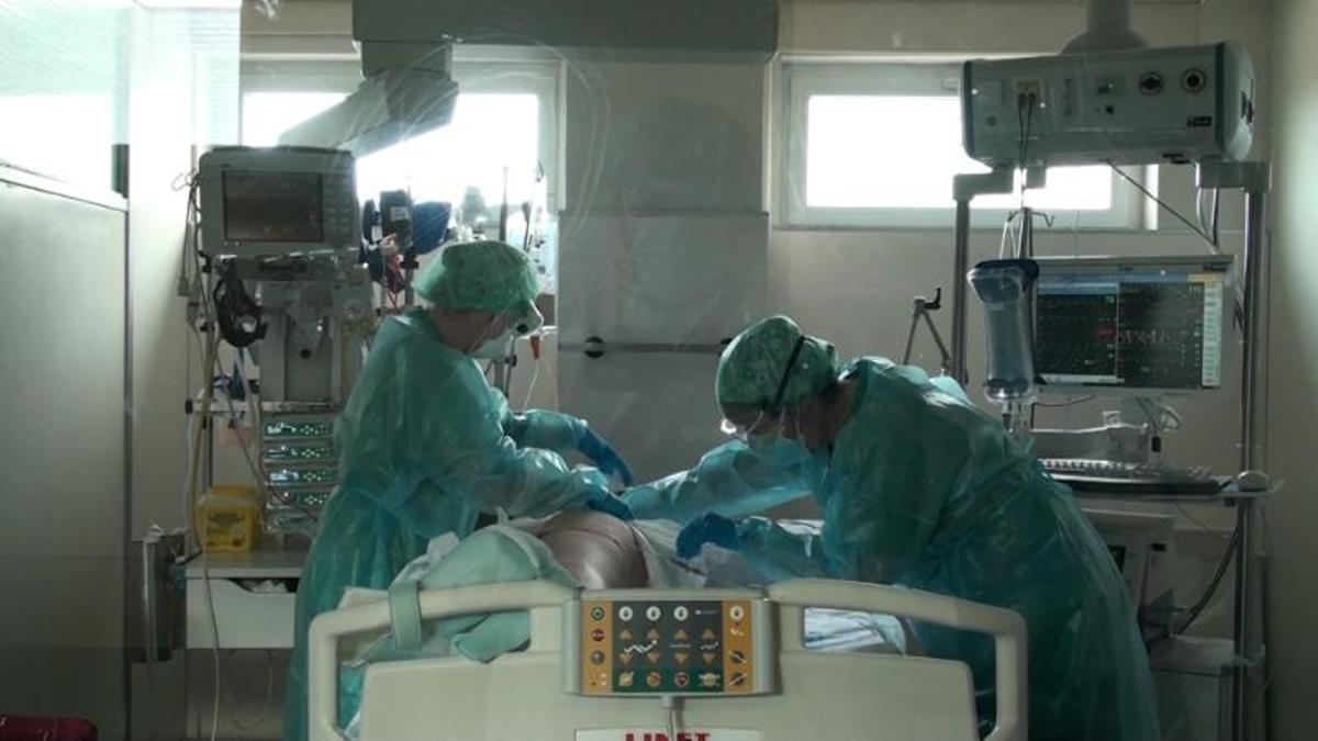 Actualmente, hay 19 pacientes ingresados en los hospitales extremeños, uno de ellos en UCI.