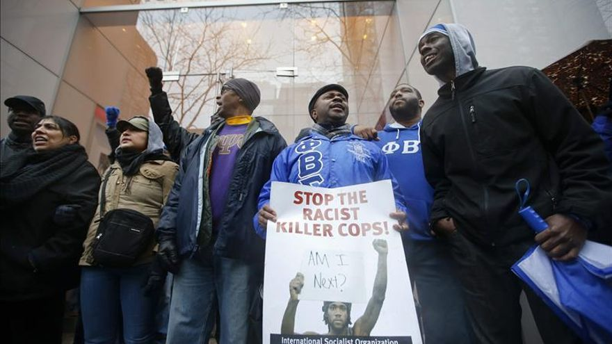 La Justicia de EE.UU. investigará a la Policía de Chicago tras la muerte de un joven negro