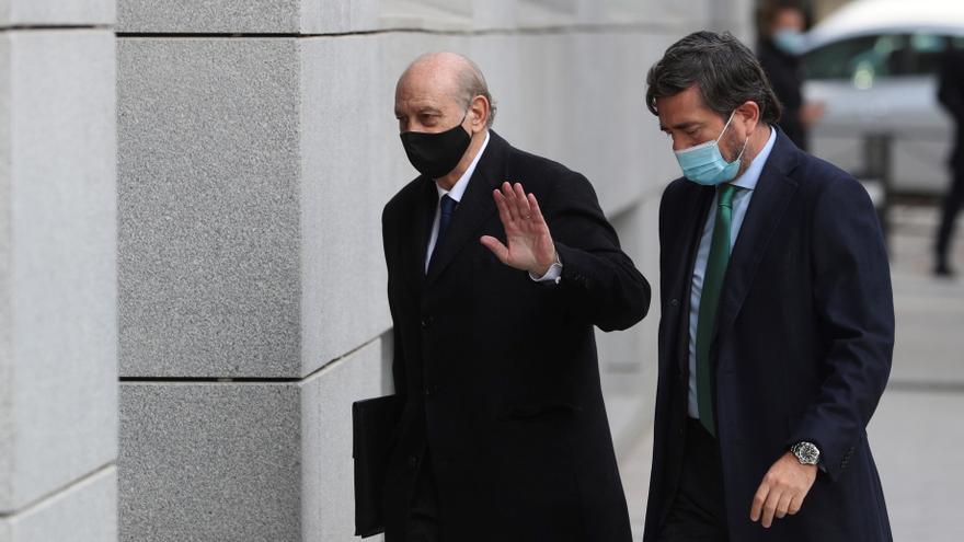 El juez pide el volcado del móvil de Fernández Díaz por si hay SMS de Kitchen