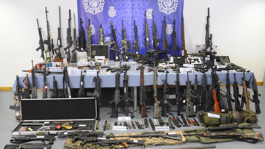 La Policía interviene un centenar de armas en un caserío de Vizcaya en una operación sin vinculación con el terrorismo