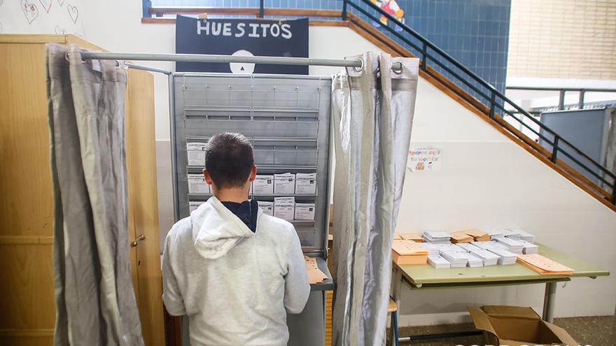 Elecciones 10N en un colegio electoral de Córdoba | MADERO CUBERO