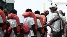 Gobierno, Valencia y ONG se ponen en marcha: los primeros pasos para recibir a los rescatados del Aquarius