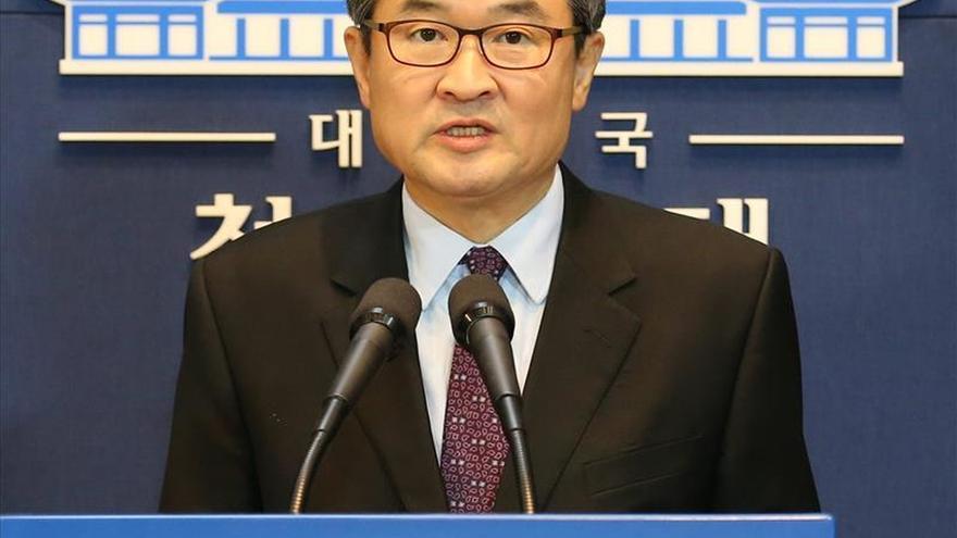 """Seúl advierte a Pyongyang de que pagará un """"elevado precio"""" si lanza cohete"""