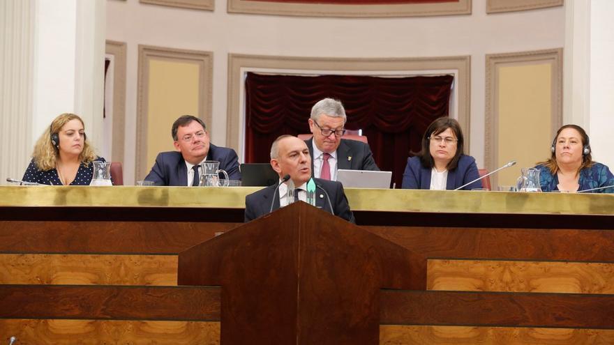 Ramiro González, duramte el discurso de investidura