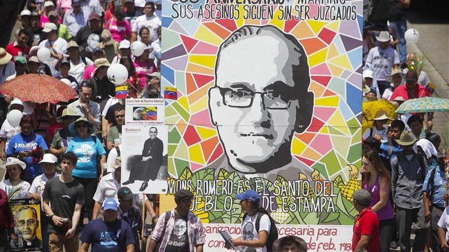 El Salvador conmemora el aniversario del asesinato de Romero y reclama justicia