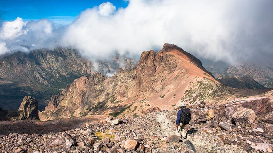 Descenso del Monte Cinto, la máxima altura corsa. Simon Massicotte