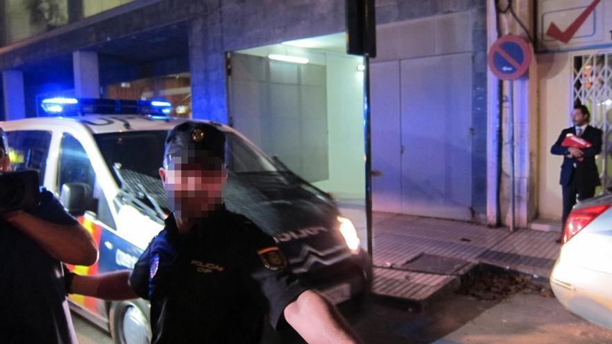 """Uno de policías detenidos por crimen de Cala Cortina aconseja al resto """"ponerse de acuerdo"""" entre todos sobre los hechos"""