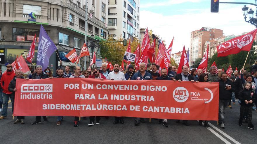 Manifestación sindical en Santander en favor de un nuevo convenio del metal. | UGT