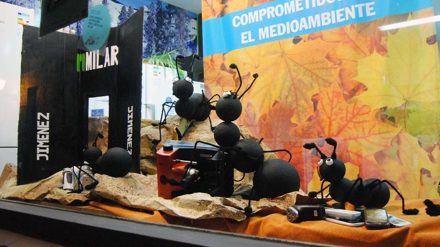 Milar Jiménez gana II concurso de escaparates sobre reciclaje de aparatos eléctricos y electrónicos