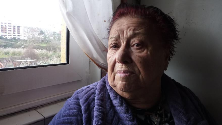 Amparo Pérez, en su vivienda de la Vaguada de Las Llamas.